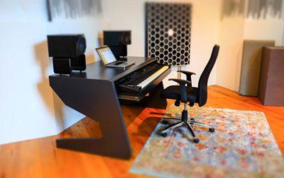 UNTERLASS KEY 88 custom keyboard tisch